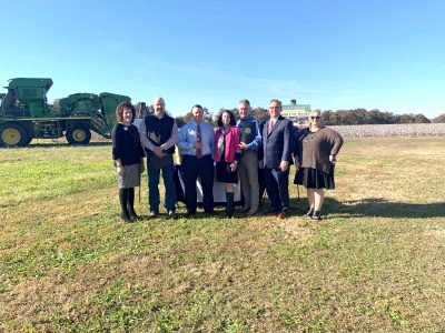 Mayor Gillespie, County Commissioner John Thrailkill Present Proclamations for Farm City Week