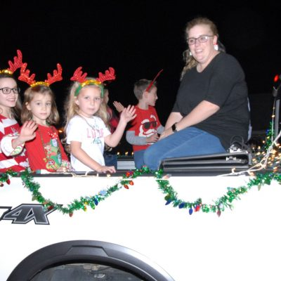 Music, Lights, Horses with Hats and Santa! Holtville/Slapout Celebrates Hometown Christmas Parade for 2019