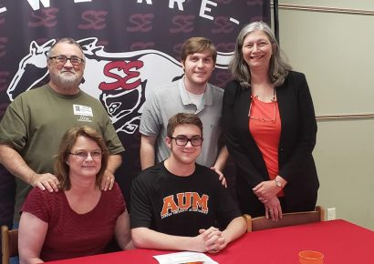 Senior Will Walker at SEHS Receives $32,000 Scholarship to study Theater at AUM